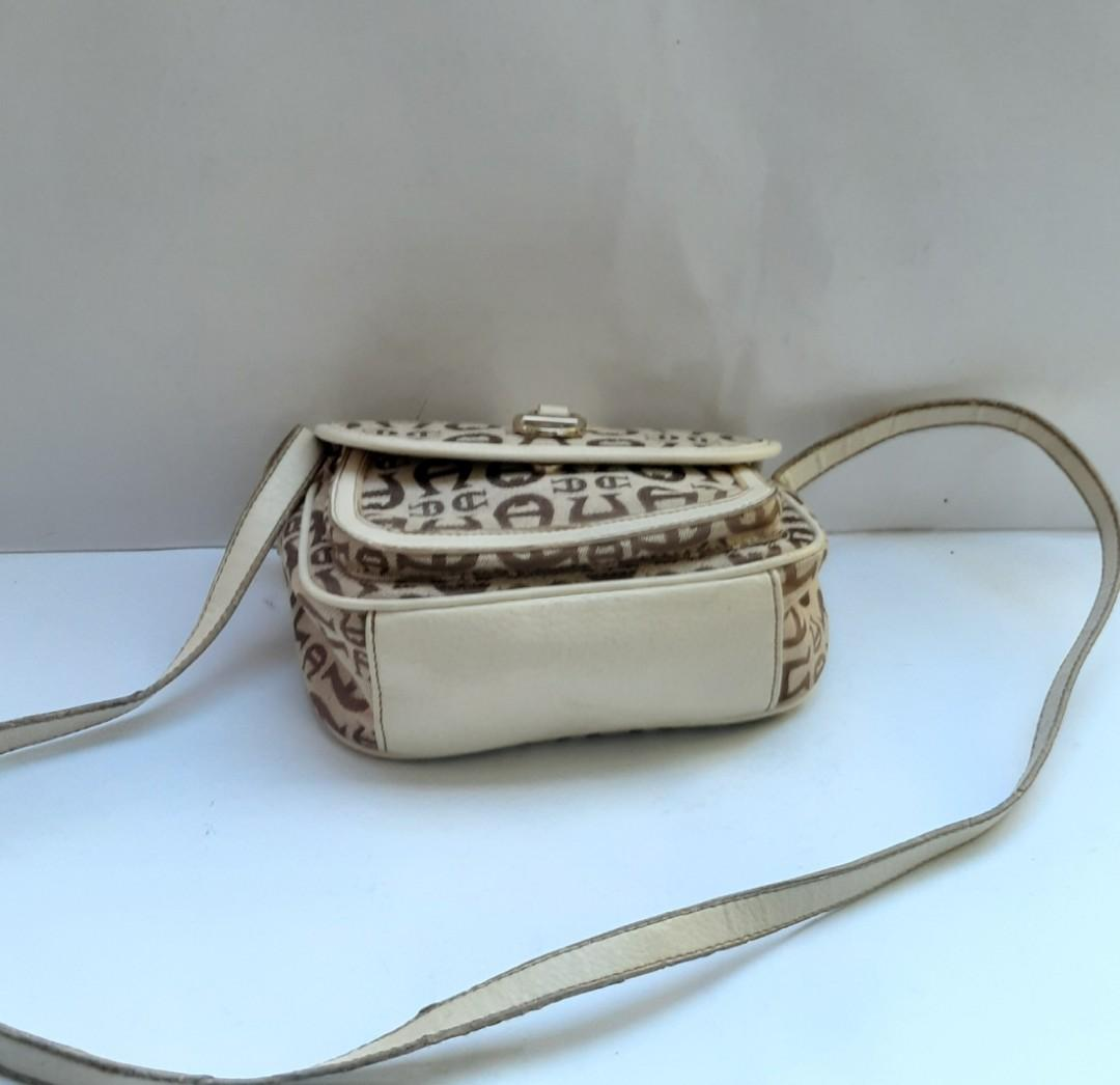 Authentic Aigner small Slingbag bought In USA.. Nice and Simple Bag🎁👜👒🌺💝