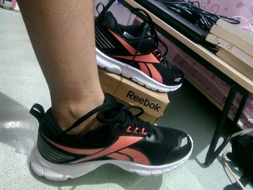 (2x pakai) Women Reebok Running Shoes