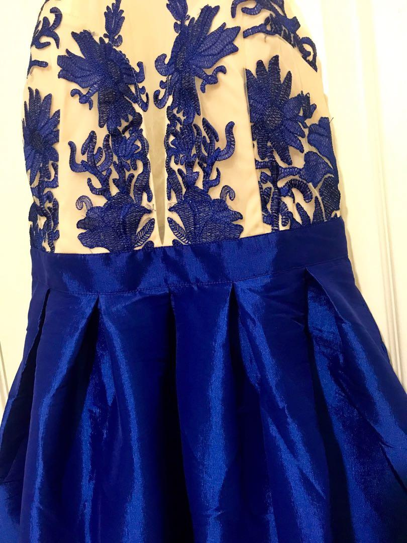 BNWT Royal Blue Embroidered Evening Gown/Maxi Dress/Formal Dress (Medium)