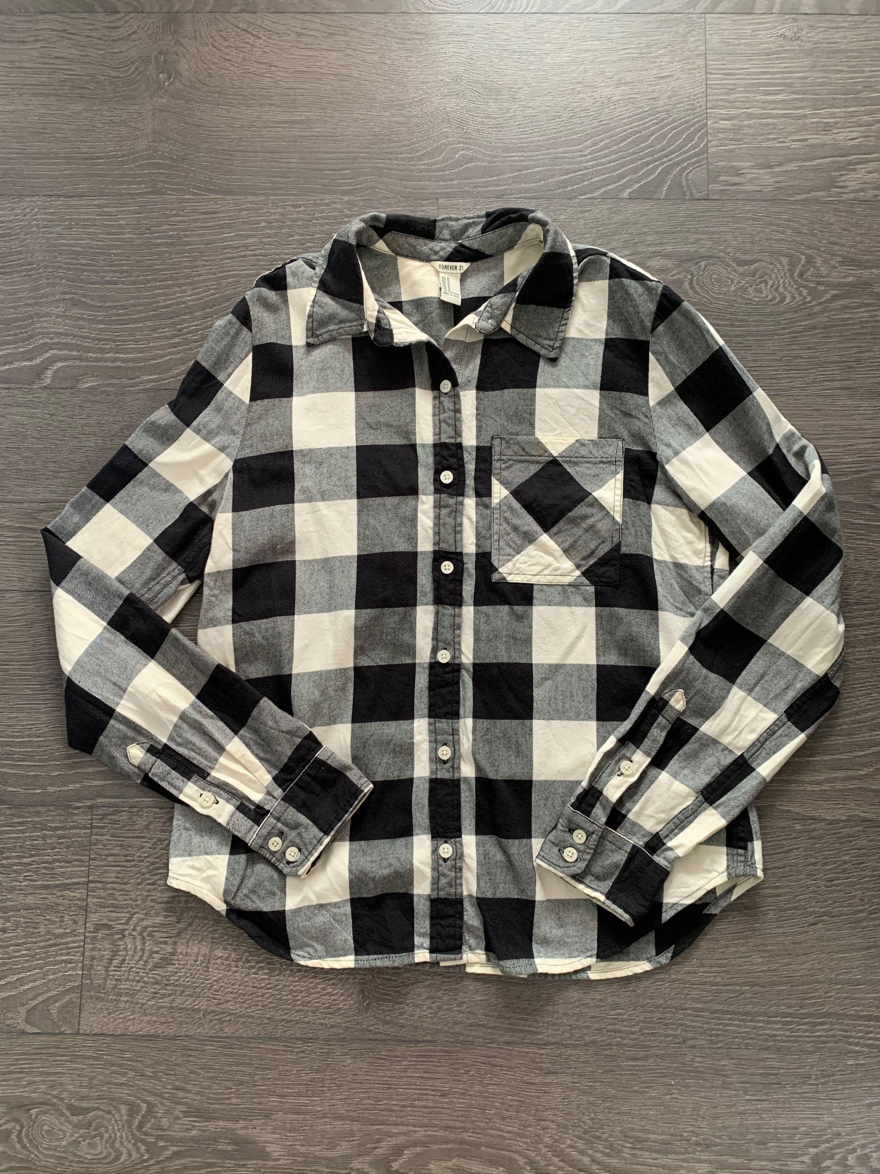 Forever 21 black and white flannel checkered shirt size medium