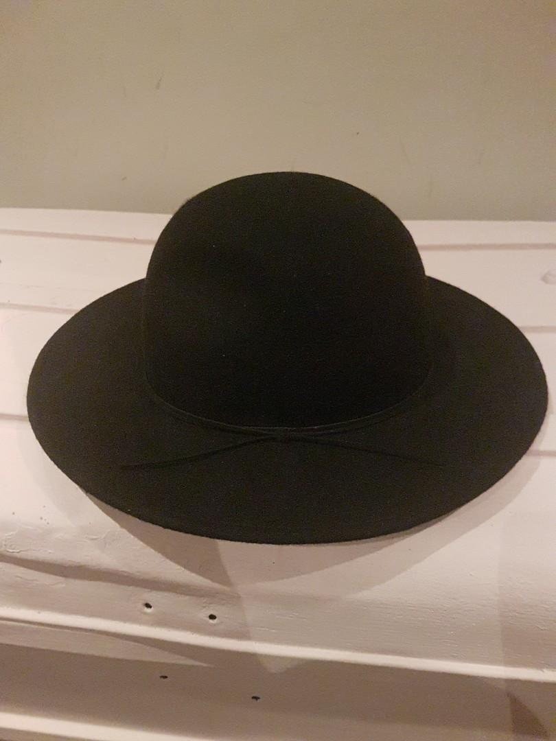 Glassons black wide brimmed hat xx