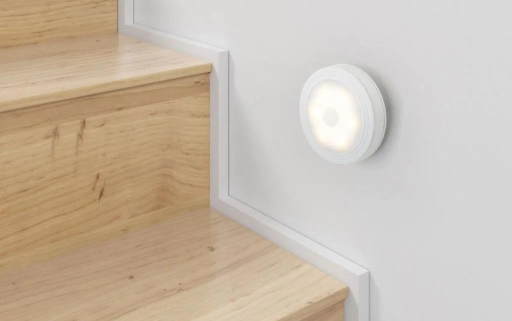 GOOD DEAL!! Motion Sensor LED USB Charging Night Light Warm White in Retail Box