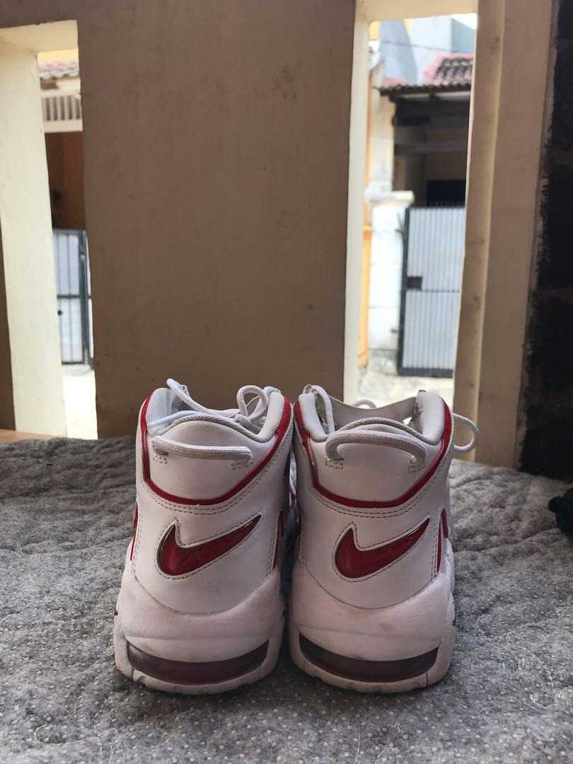 nike air more up tempo varsity red