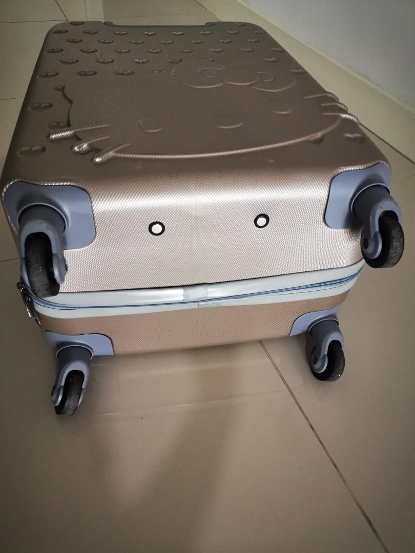 prelovedHello Kitty Luggage