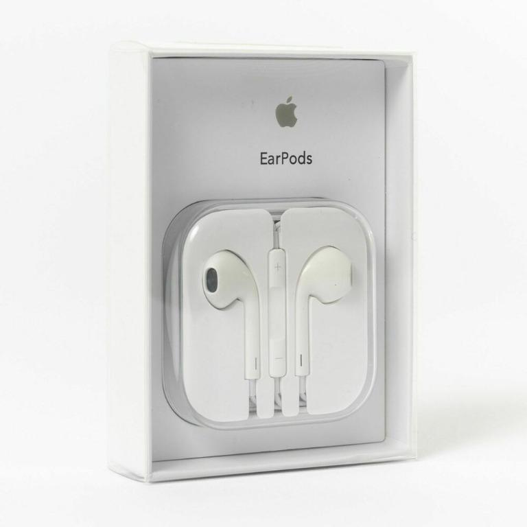 UNBEATABLE DEAL!! Official Genuine Apple EarPods with 3.5mm Headphone Plug in Retail Box