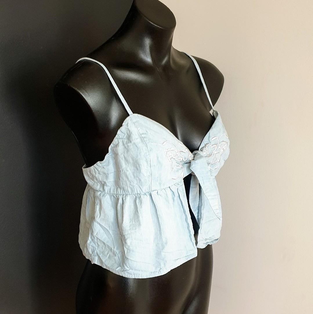 Women's size 12 'MORNING MIST' Gorgeous chambray tie up embroidered top