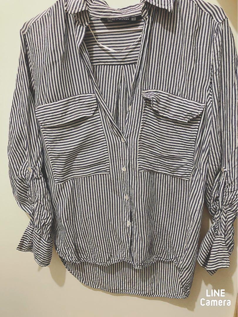 Zara Blue and White Stripe Shirt size XS 直間上衣秋季