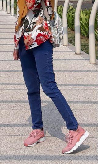 Celana jeans highwaist ukuran 27