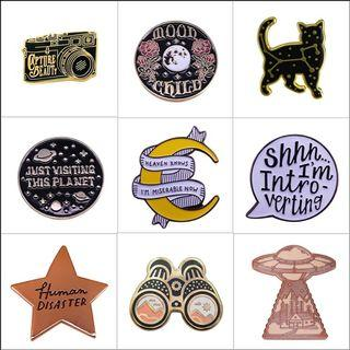 Enamel pin - book, bookish, witch, emo, dreamer, star, moon,
