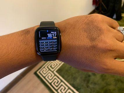 Apple Watch series 4 40mm w