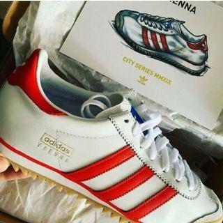 BNIB Adidas Originals Vienna