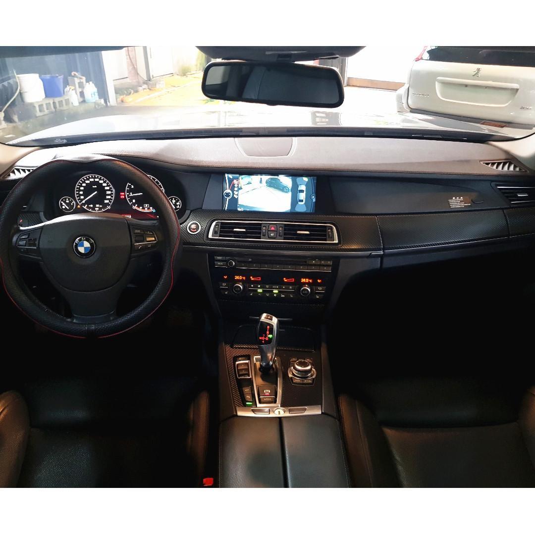 正2010年 BMW F02 740Li