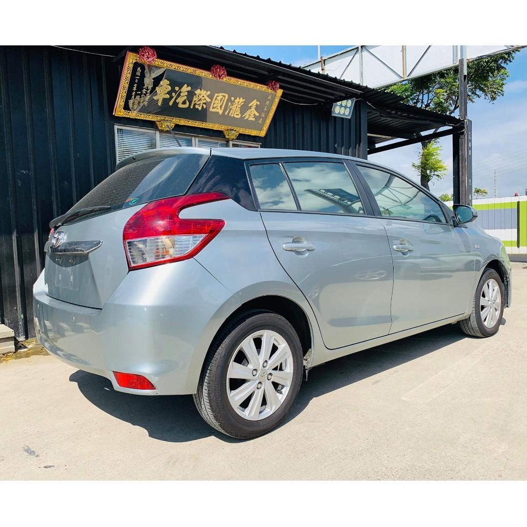 2015年 Toyota Yaris 1.5cc 大鴨