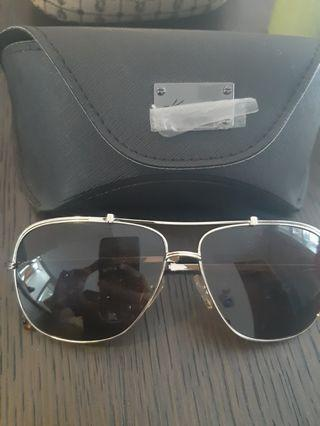 Authentic kenneth cole aviator