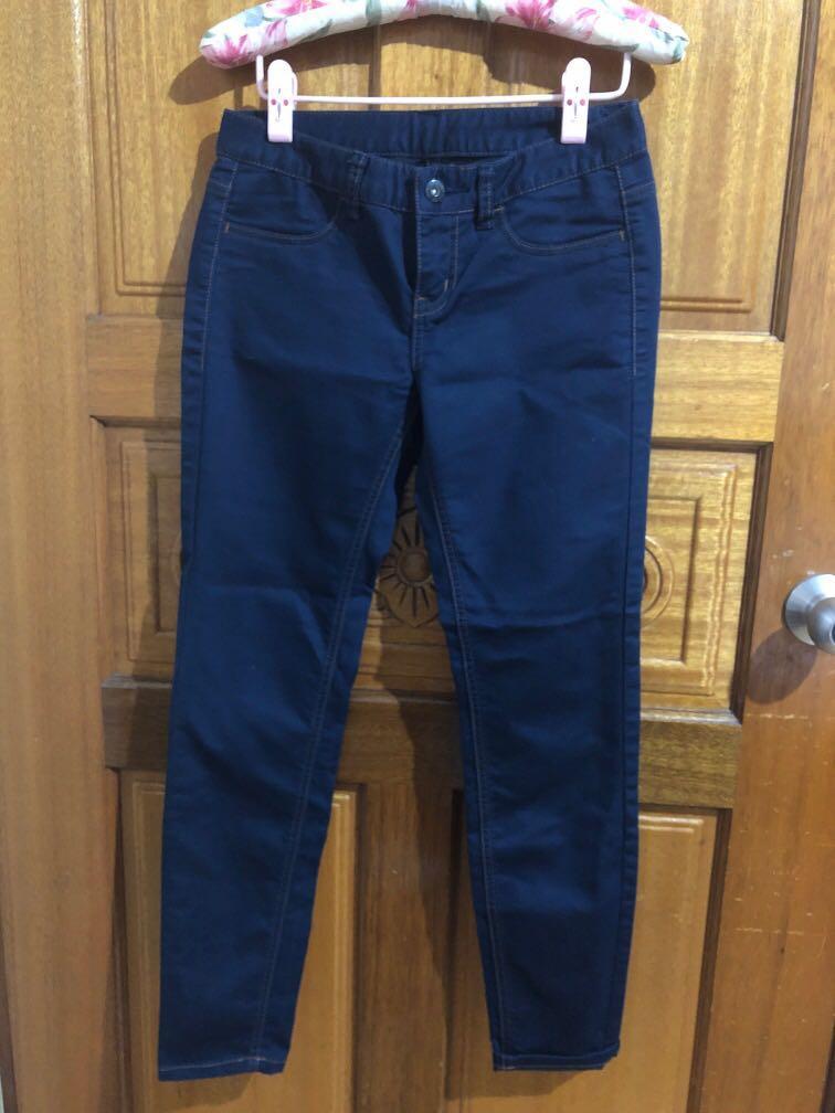 長褲有   黑、藍2色