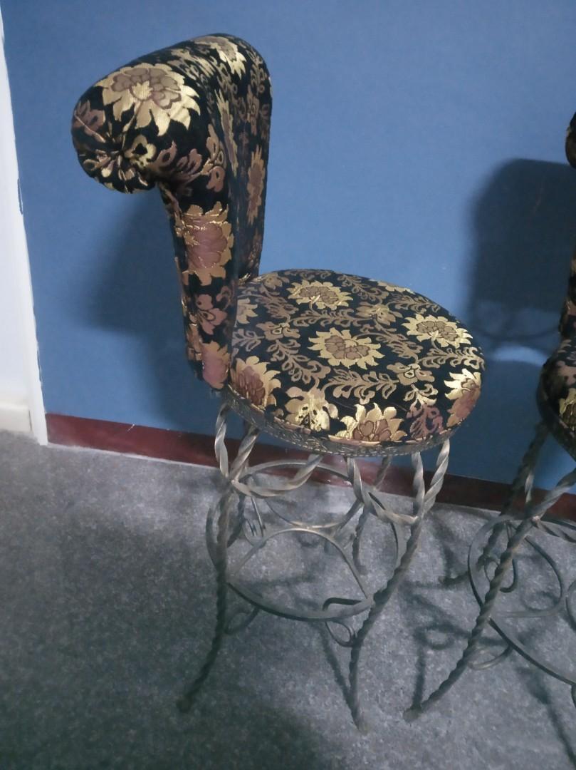 鐵製高腳椅