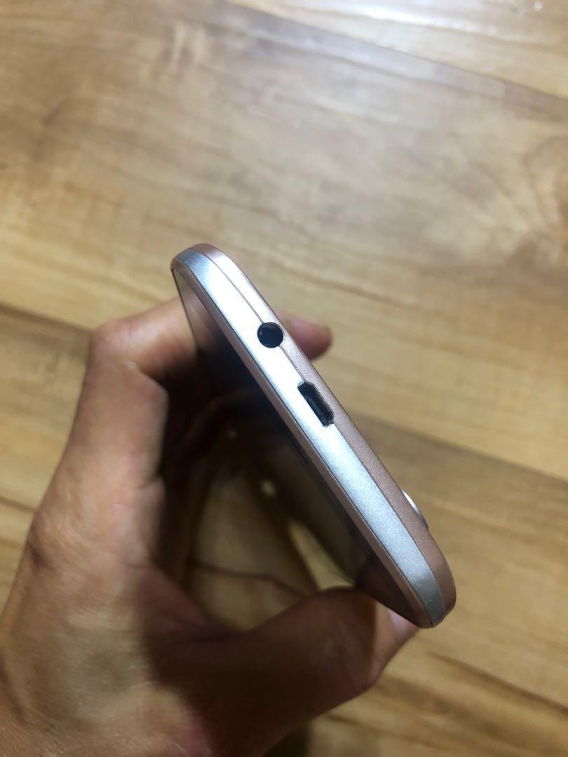 [售] K-Touch L5 智慧型手機 [價格]1000 [物品狀況]2手     [交易方式]面交自取 7-11或全家取貨付款 [交易地點]台南市東區     [備註]無盒裝/旅充/記憶卡2GB [匯款帳號]合作金庫[006]1232-872-051459