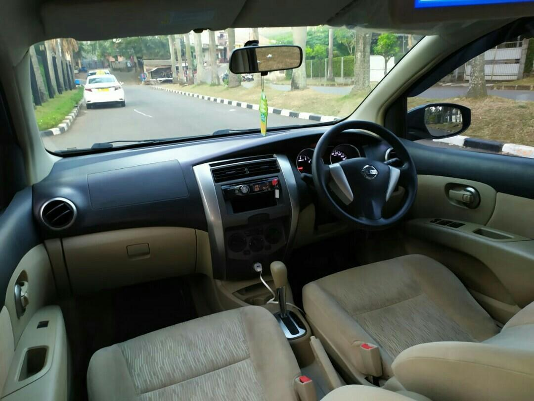 All new Nissan Grand Livina XV 1.5 2013AT..Abu Metalik