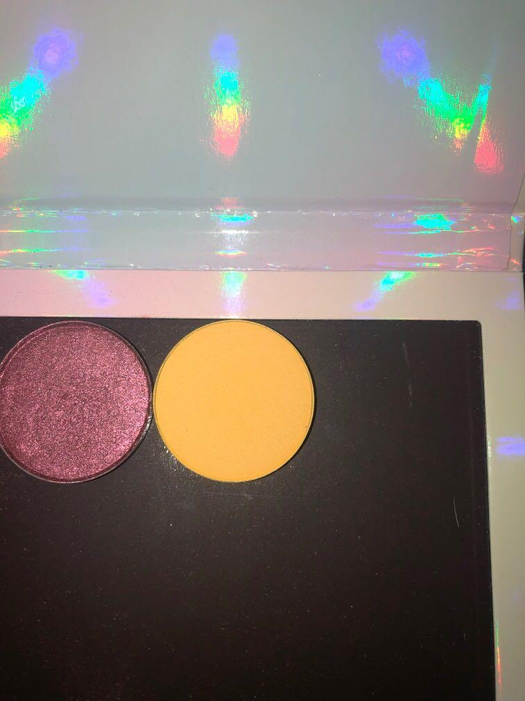 Colourpop single shadows - FREE EMPTY MAGNETIC PALETTE