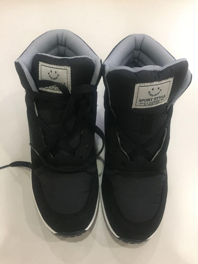 Neutral 高筒黑鞋