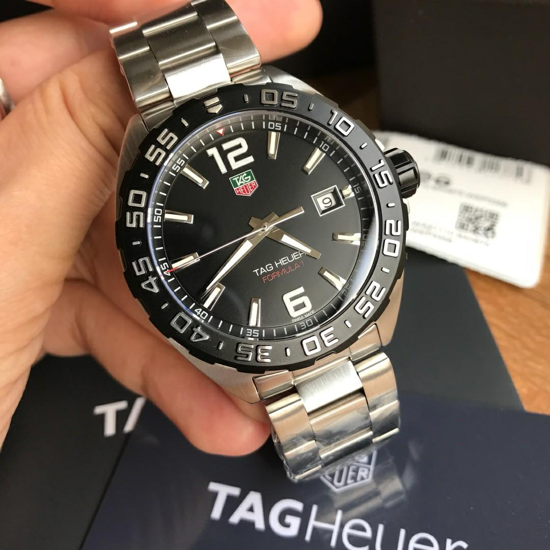 Original ressambled TAGHeuer Formula 1 Swiss made engine (Black dial/