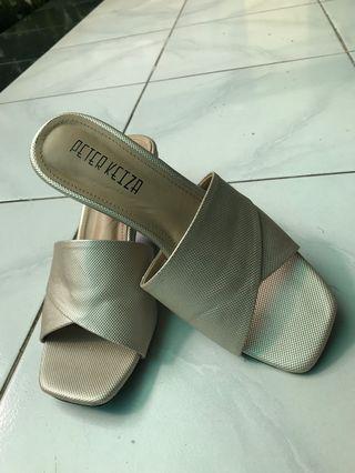 Peter keiza sandal pesta gold