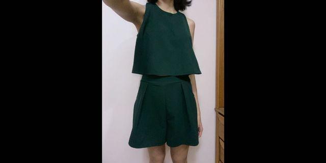 削肩背心套裝 無袖短褲 深綠色