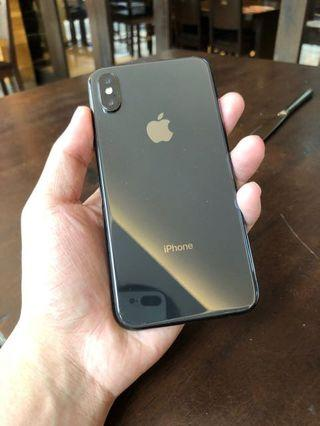 iPhone X 64GB (Bought at September 2018)
