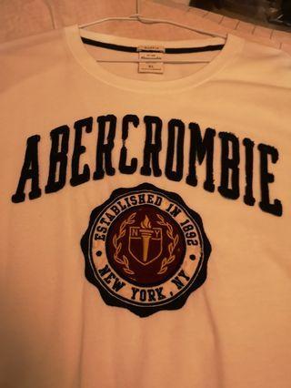 Abercrombie 真品 白色logo T XL號 近全新
