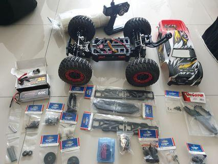 RC Thunder Tiger MT4-G3 Basher Monster Truck