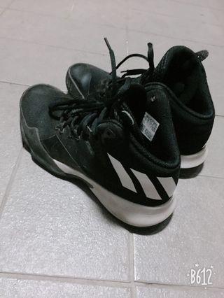 Addias 籃球鞋