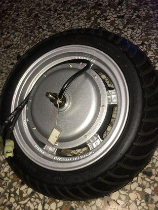 Eton hub 2000 wats 12 inches with new tire