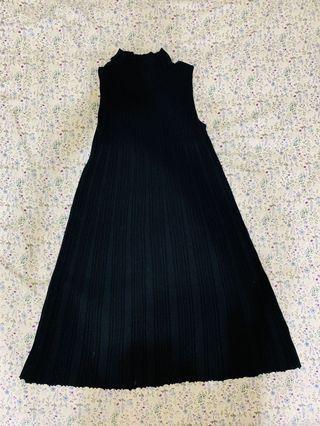 Unif微高領洋裝
