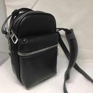 Zara黑色皮革側背包