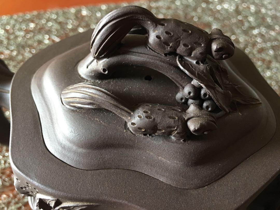 宜興紫砂壺》松鼠葡萄》未使用品