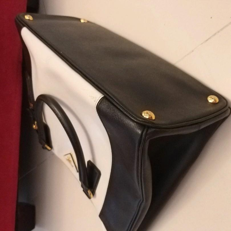 Authentic Prada SAFFIANO Bag