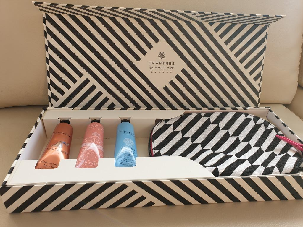 Crabtree & Evelyn Set of 3 Boxed Gift with Cosmetic Pouch