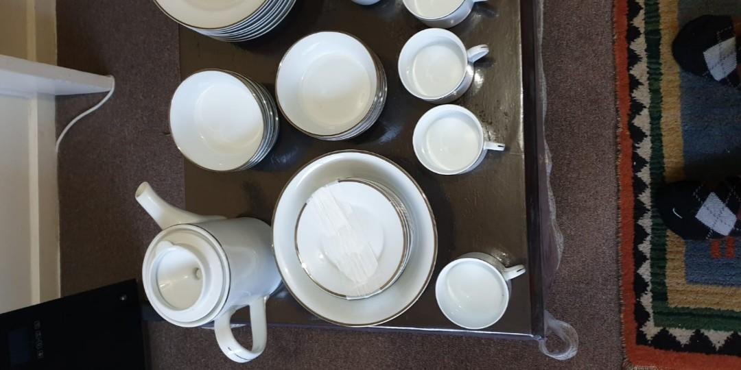 8 person Dinner set for sale used only 2 times almost new condition no damage.