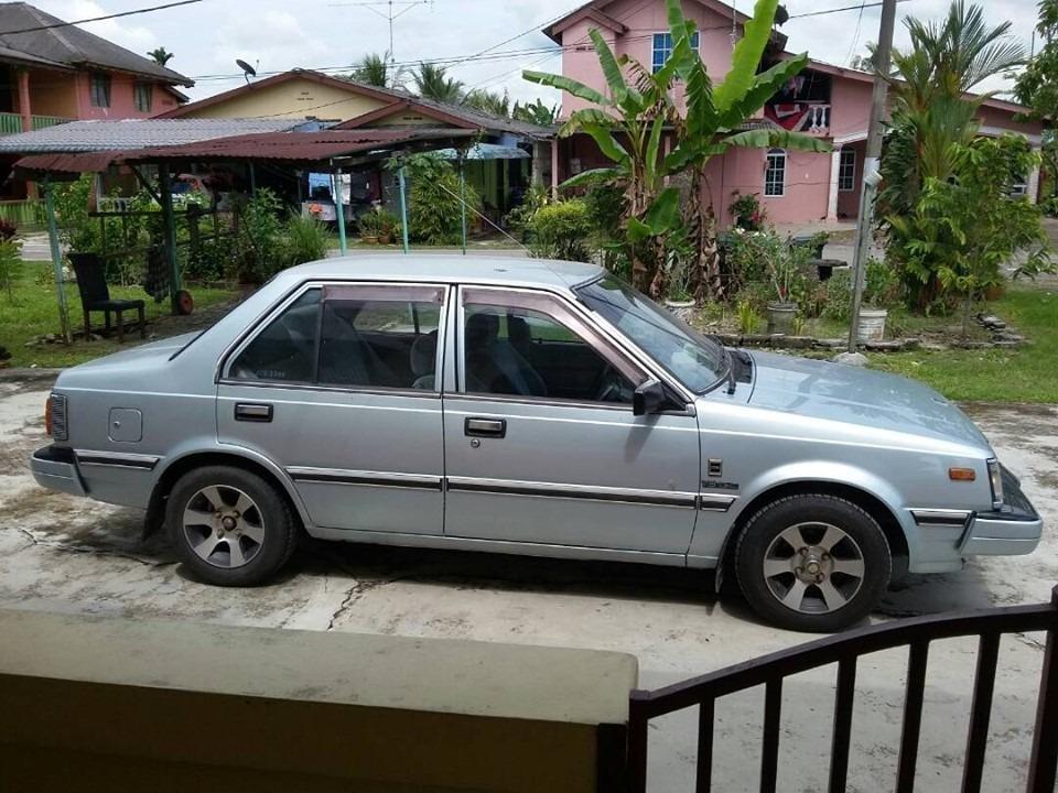 Nissan sunny 130y  silver