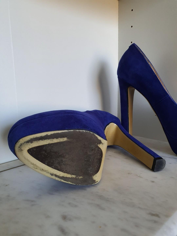 Tony Bianco Blue size 6 heels