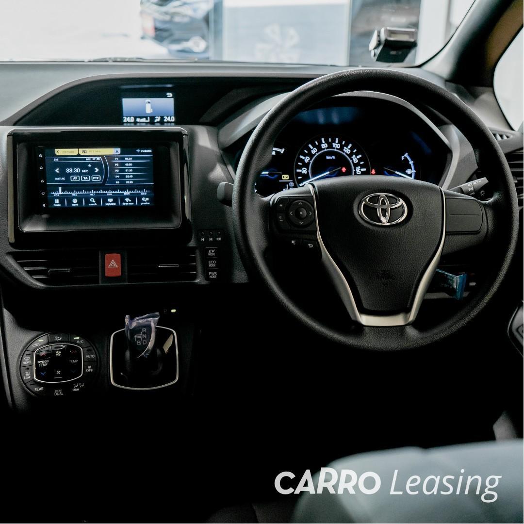 BRAND NEW Toyota Noah Hybrid 1.8