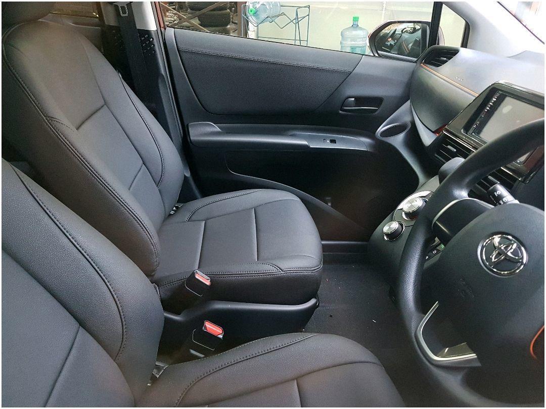 Toyota Sienta Hybrid 2019