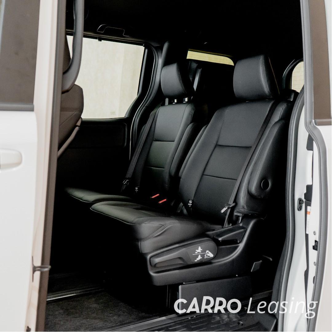 Toyota Voxy Hybrid 1.8