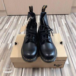 馬汀鞋 八孔