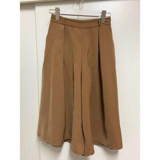 GU 駝色褲裙 M號(背後有鬆緊帶)