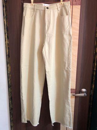 超顯腿長奶油杏色牛仔褲