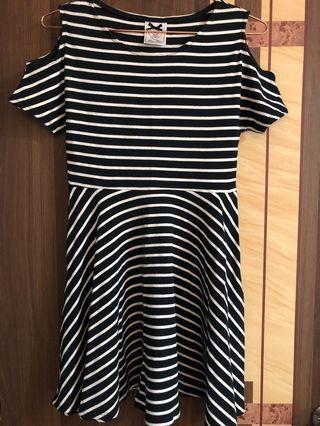 超級顯身材條紋洋裝