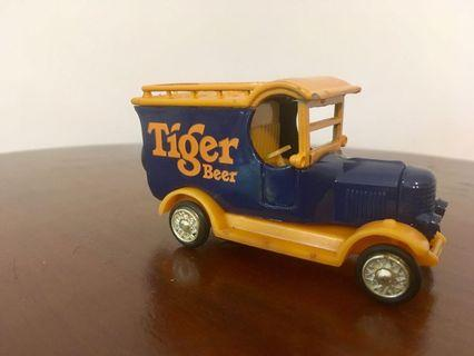 Vintage car with TIGER logo 1/32 diecast
