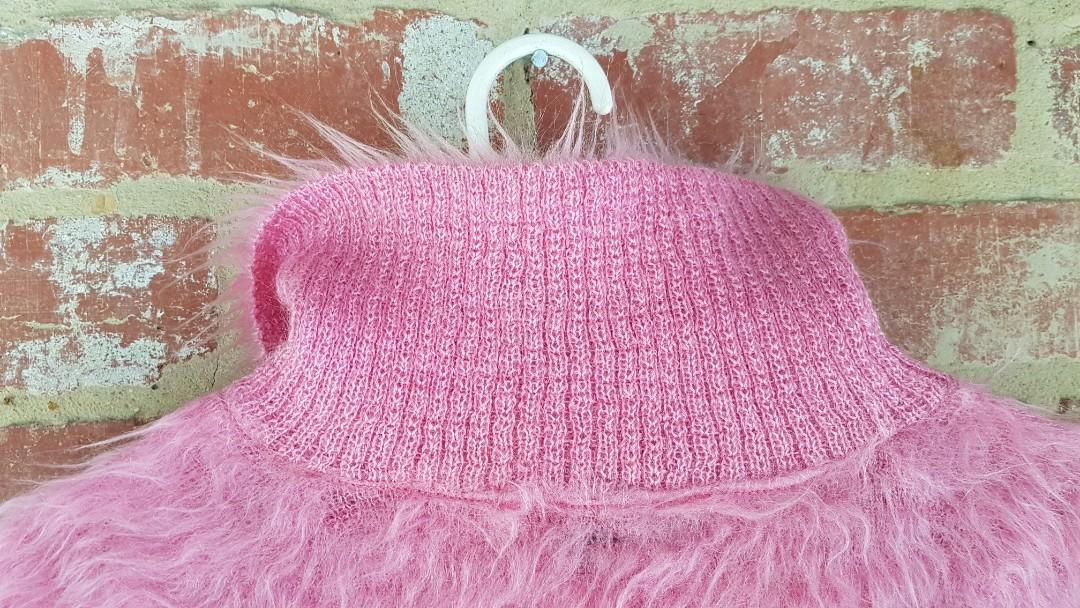 100% Pure PINK Mohair Wool Hand Made In Scotland Turtle Neck -Jenners Limited 👚