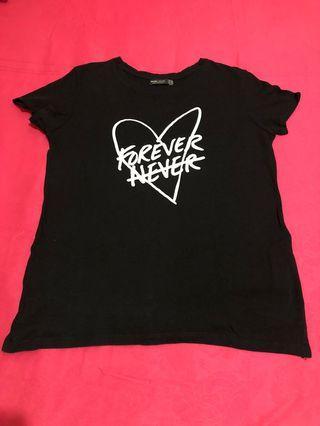 Tshirt  warna hitam